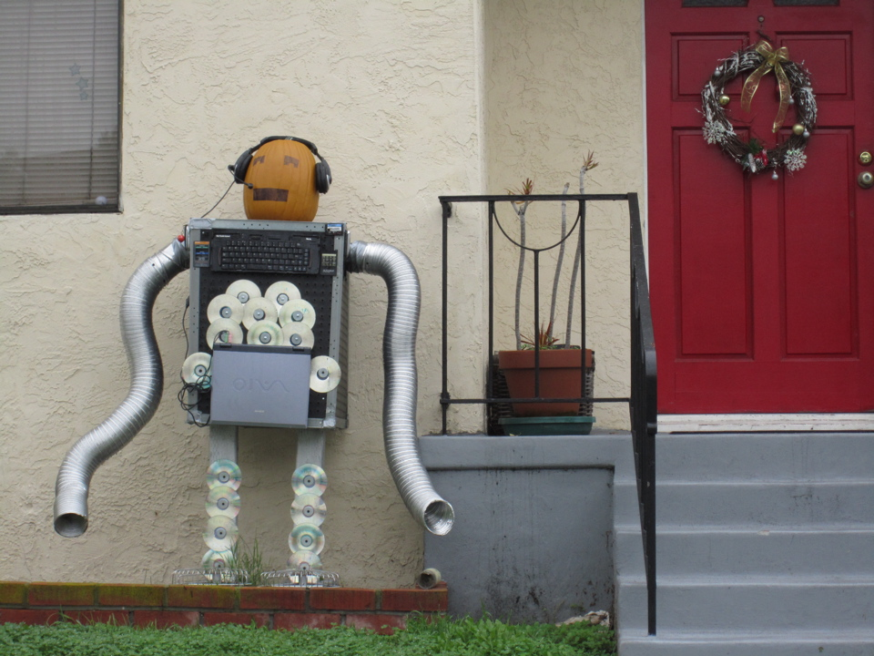 Crazy holiday decorations in san diego homefixated style for Robotic halloween decorations
