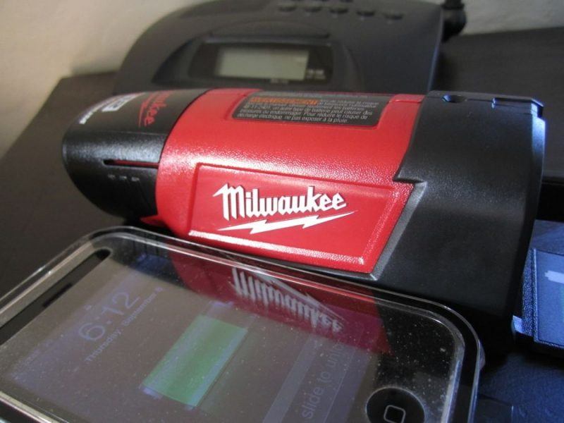 Milwaukee M12 Power Port