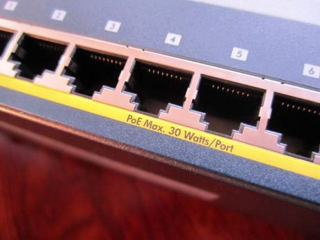 netgear-poe-router-close