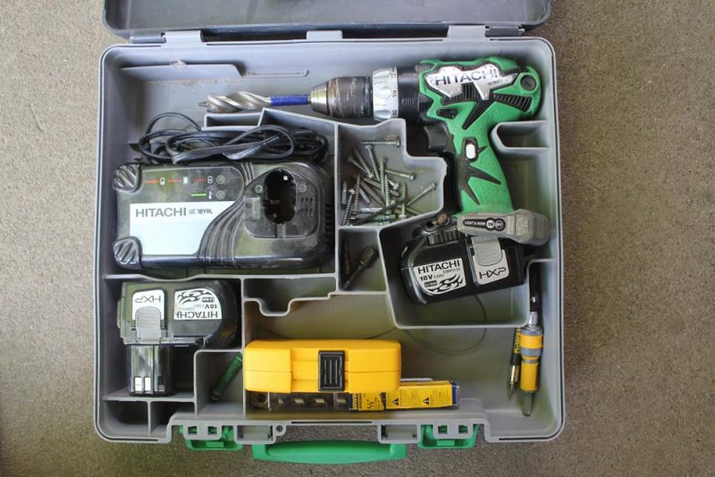hitachi-ds18dl-drill-case