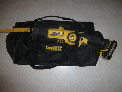 dewalt-cordless-reciprocating-saw