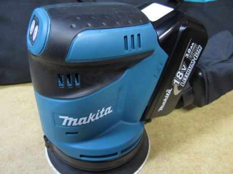 makita-18v-sander-contoured-top