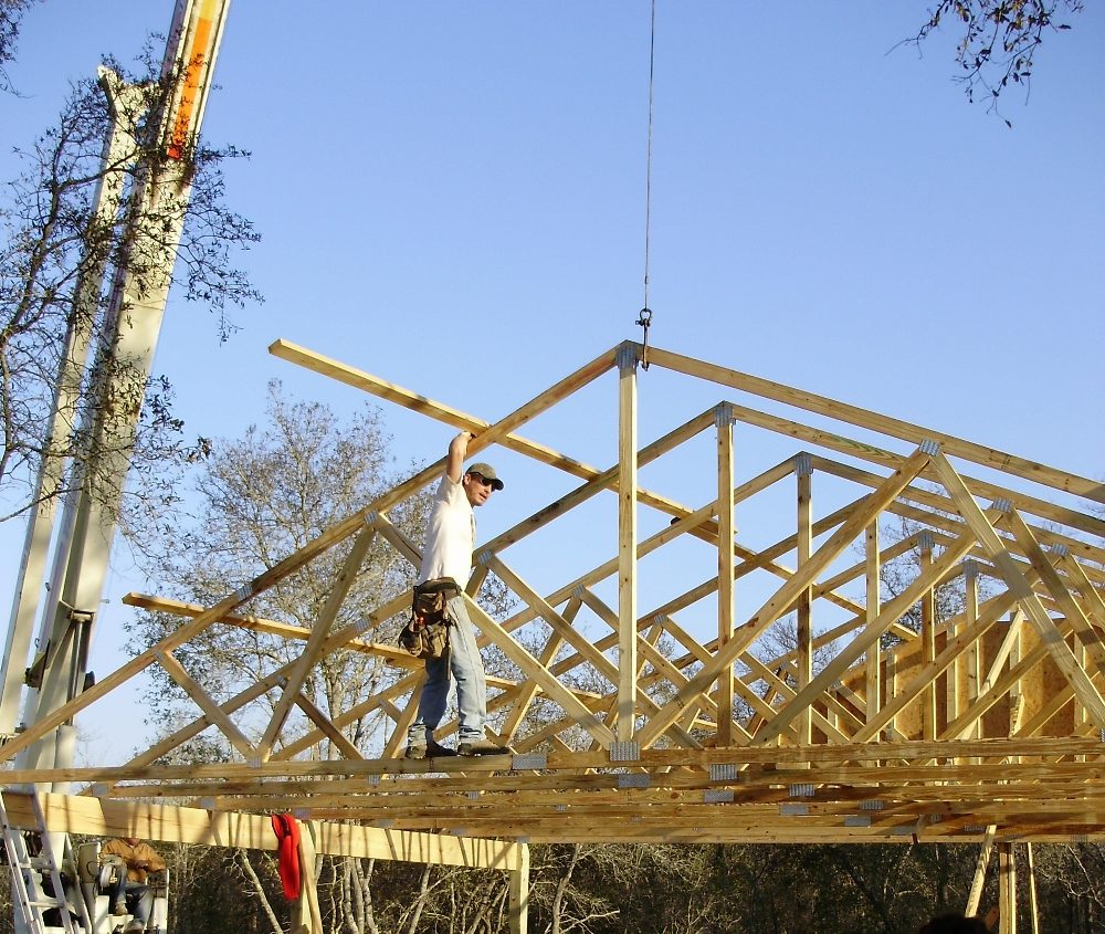 Learn To Crane Or Hand Set Wood Trusses Without Troubles