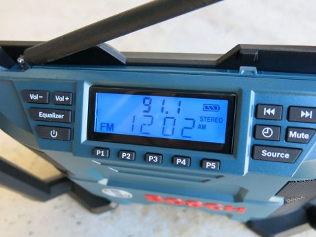 bosch 12v pb120 job site radio review. Black Bedroom Furniture Sets. Home Design Ideas