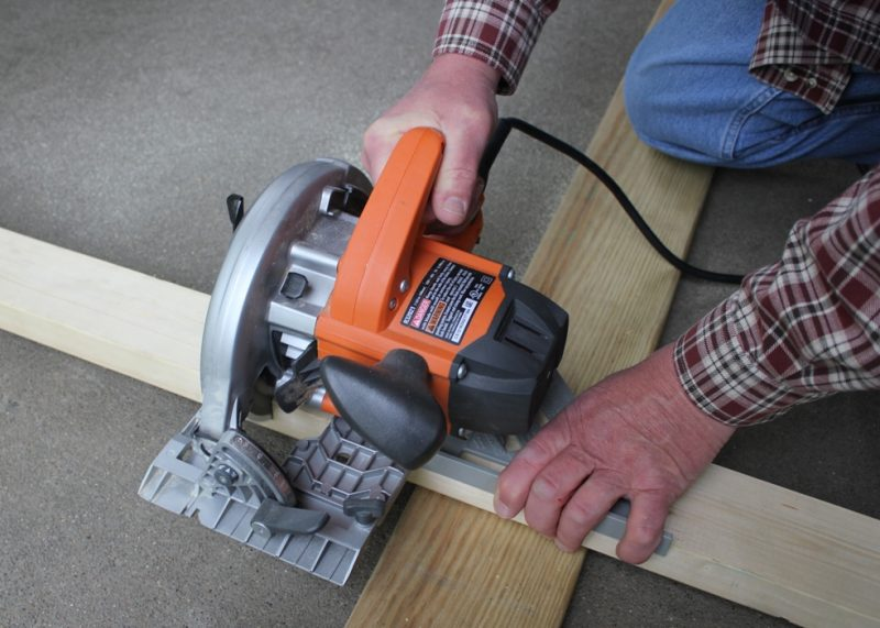 A great saw guide for a quick, square cut