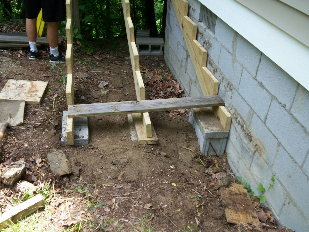 how to build deck stairs without stringers