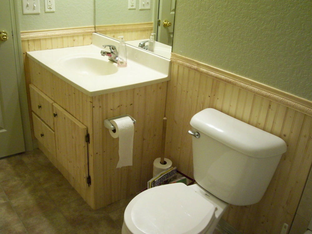 Pictures of beadboard bathrooms
