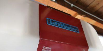LiftMaster Garage Door Opener 8550 – Close Your Door from Anywhere in the World