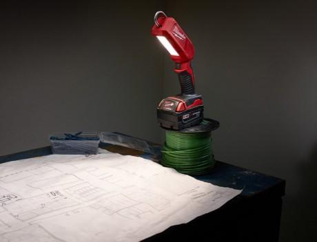 milwaukee-m18-LED-stick-light