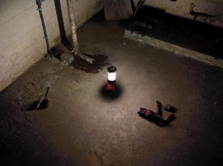 milwaukee-m18-lantern