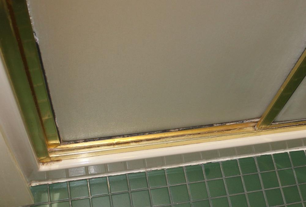 Delta Shower Doors - Design Your Own Shower Doors In Three Easy Steps!