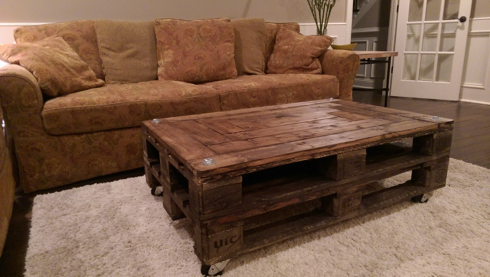 Upcycled DIY Pallet Coffee Table - Bring On The Cocktails!