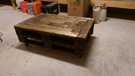 The finished coffee table - ta da!