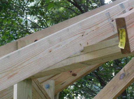 Intermediate rafters