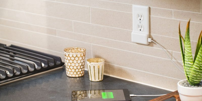 SnapPower USB Charger – An Easy Outlet For Hard Chargers!