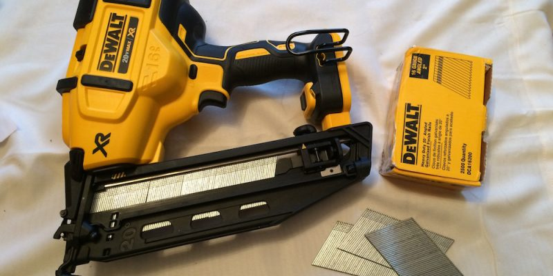 DeWalt DCN660 Cordless Finish Nailer – Angling To Be Your Main Squeeze