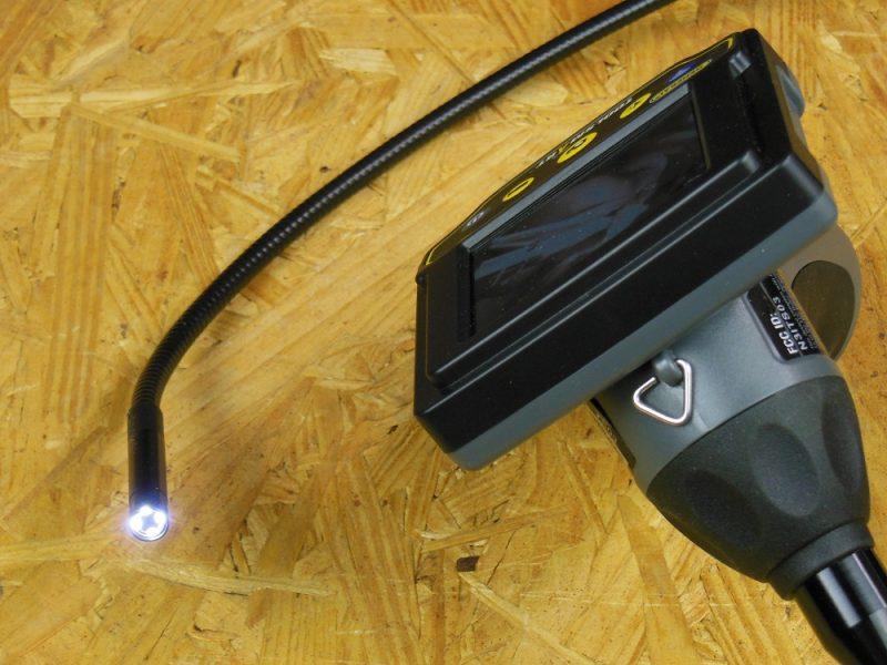 Lighted camera probe
