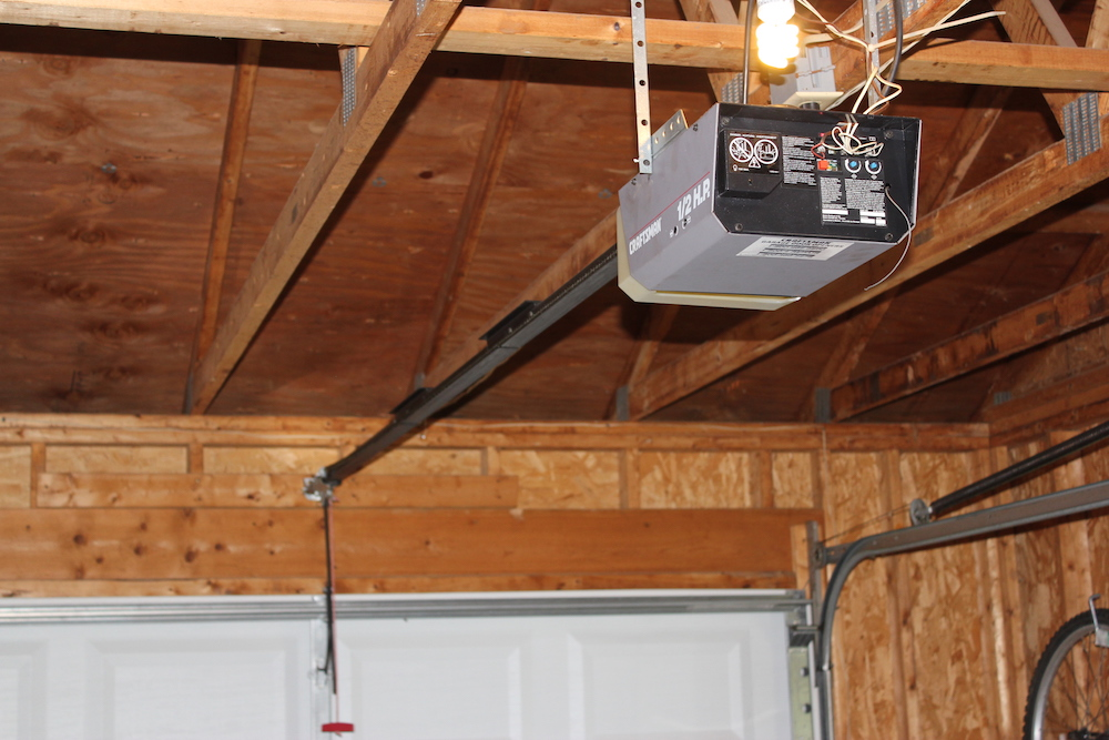 Old sears garage door opener wageuzi for 12 foot garage door opener