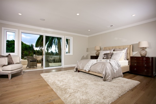 home staging a bedroom