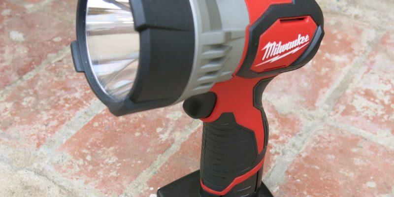 Milwaukee M12 LED Spotlight – Like a Handheld Car High Beam