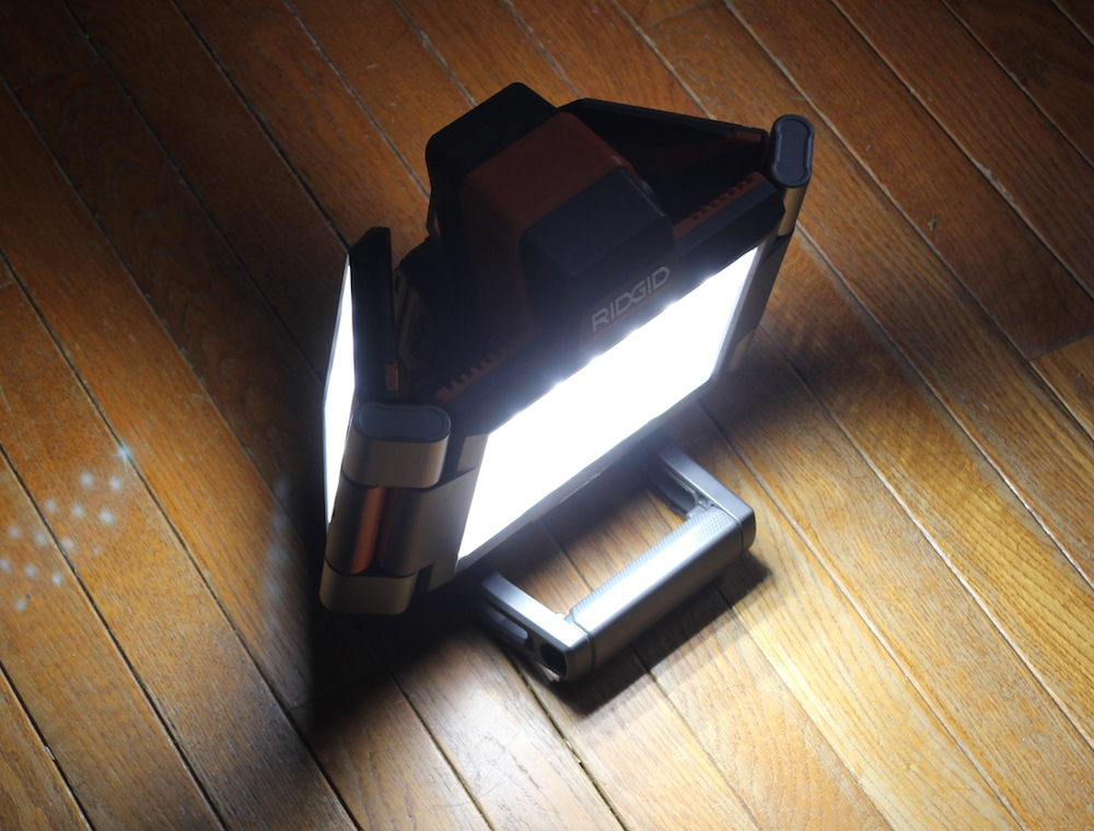 ridgid gen5x folding panel light