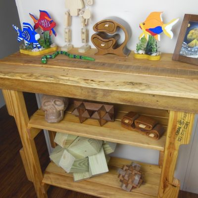Make Your Own Pallet Wood Hall Table – An Easy Upcycling Project