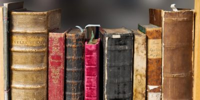 Books by the Foot – What Would You Decorate with a Foot or More of Books?