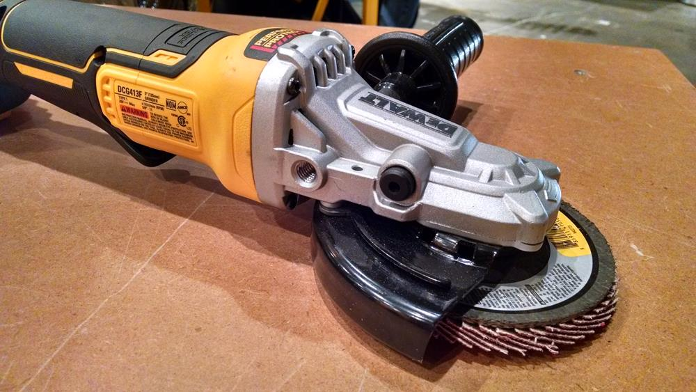 flat-nosed angle grinder
