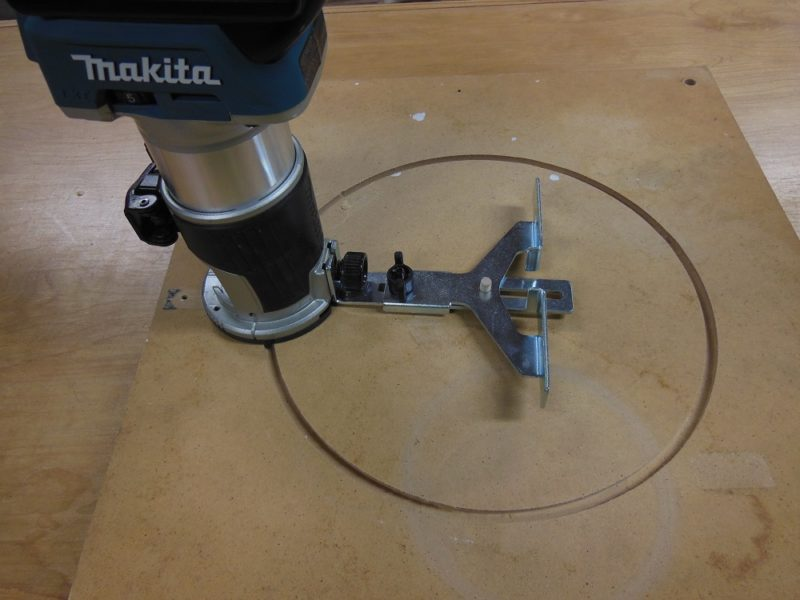 Makita XTR01Z circle cutting