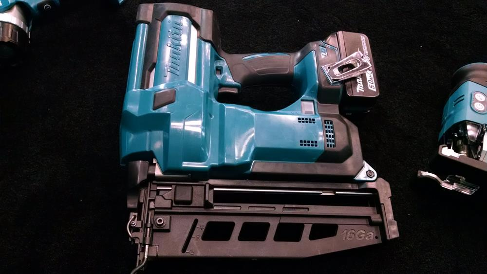 battery-powered  trim nailer