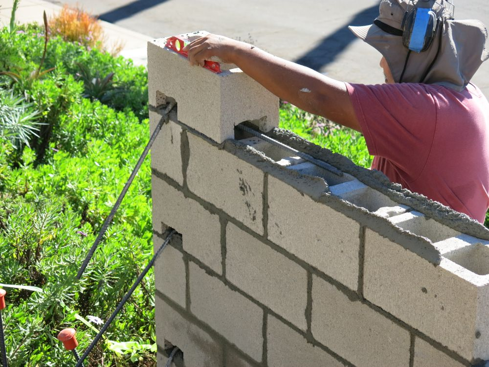 How To Build A Concrete Block Wall Part 2 Home Fixated