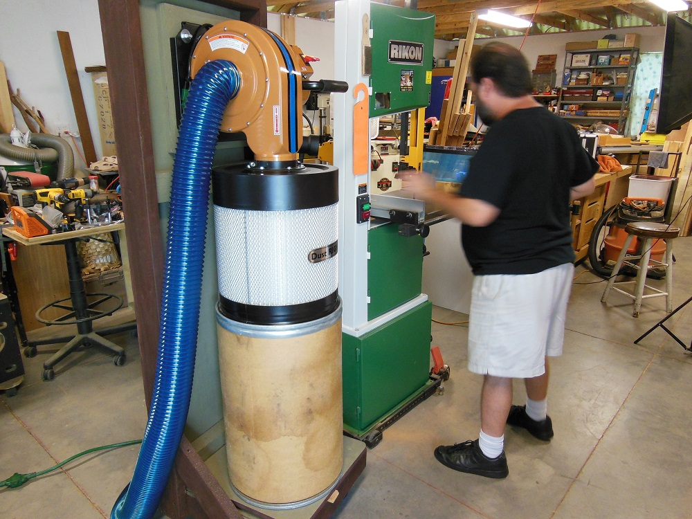 The Dust Right Dust Collector By Rockler - It Sucks So Good