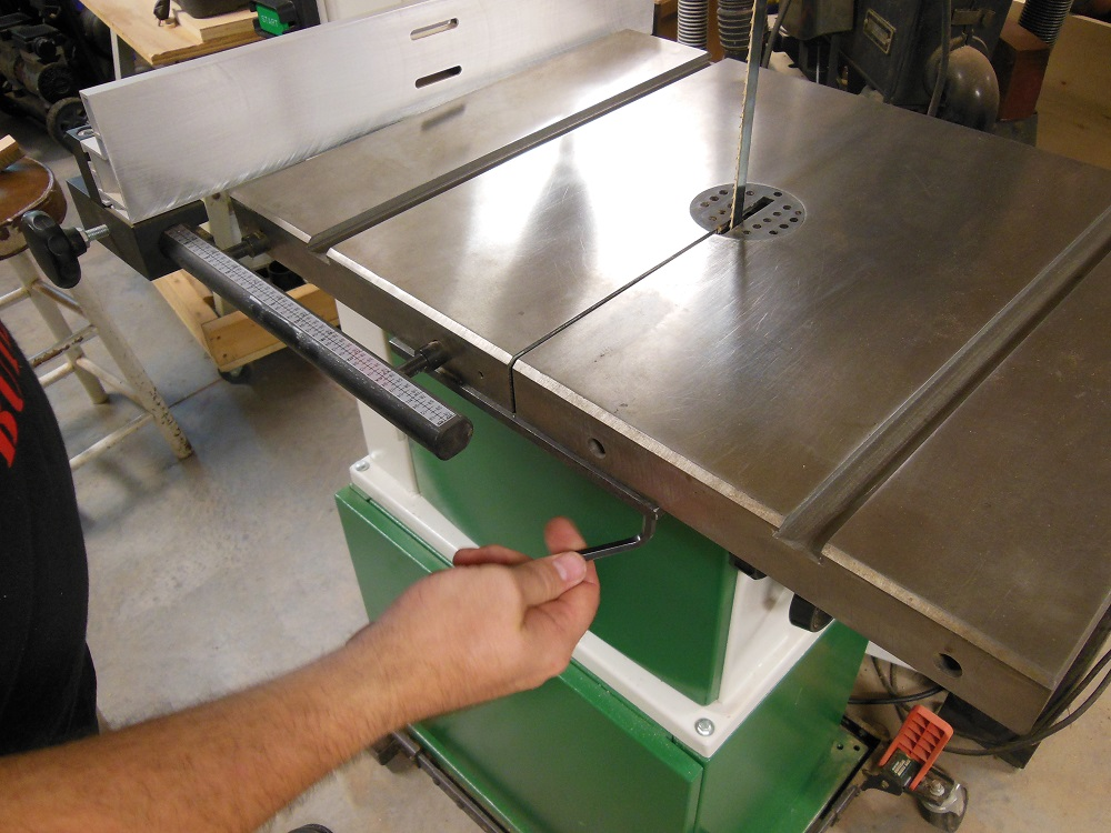 How to install a bandsaw blade and set up the guides re attach the leveling bar keyboard keysfo Image collections