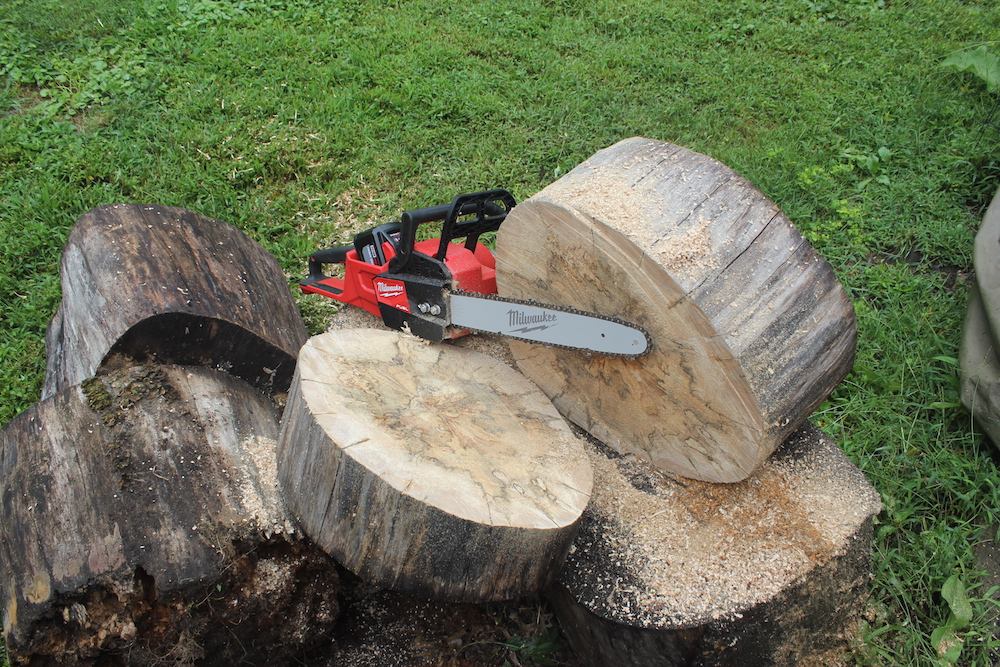 Milwaukee Fuel Chainsaw Review: A Brushless Way To Get Branchless