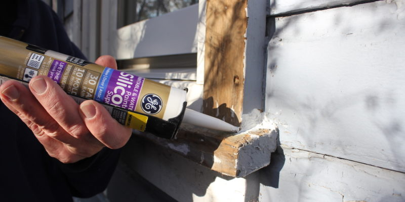 Mind The Gap Easy Caulking Projects To Save Energy And Money With Ge Supreme Paintable