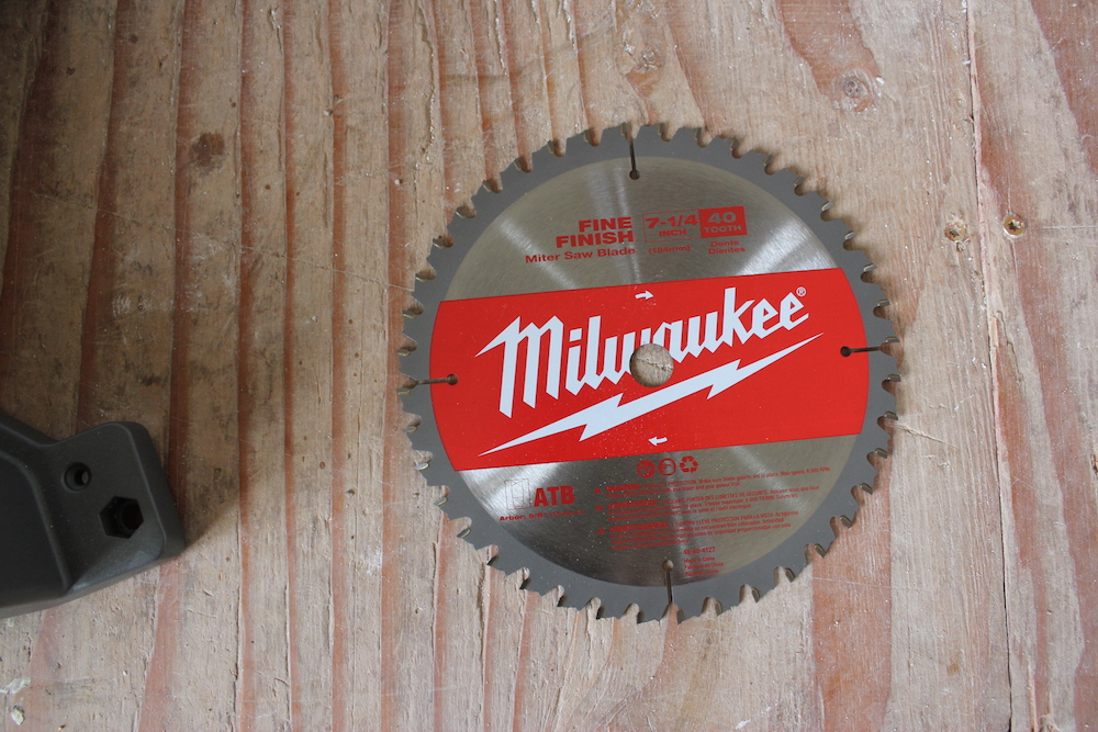 Milwaukee 2733