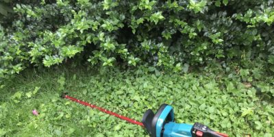 Makita XHU07 Brushless Cordless Hedge Trimmer Review – Faster Teal Steel