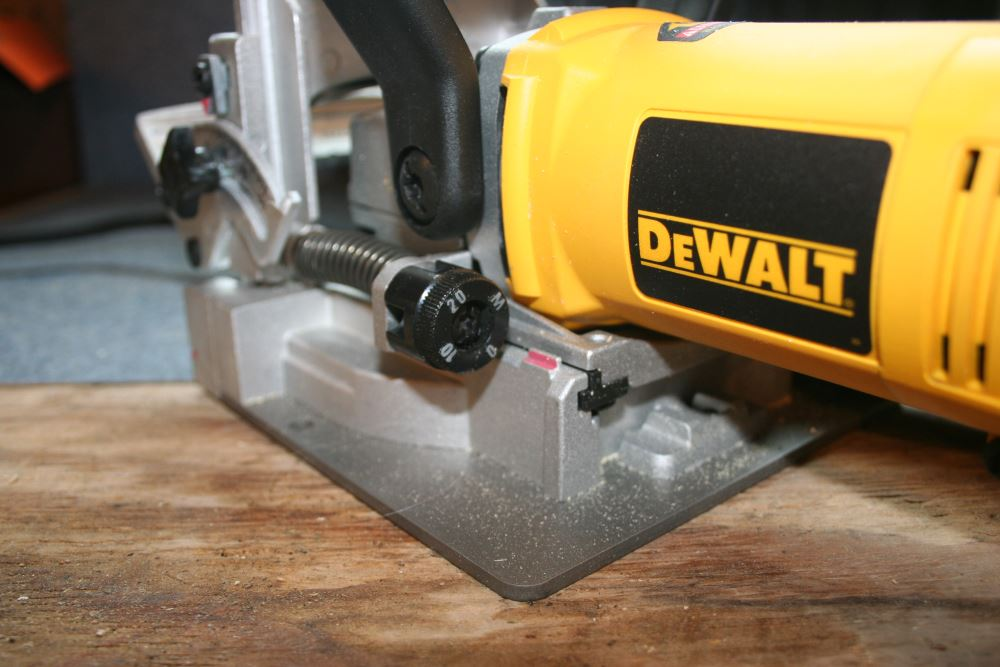 It S All Gravy With The Dewalt Dw682k Biscuit Joiner Home Fixated
