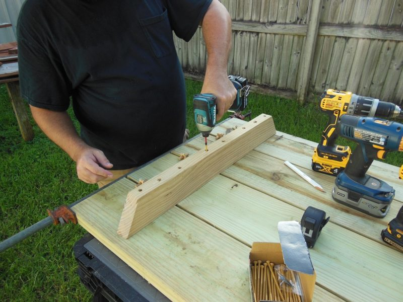 Attaching outer table supports.