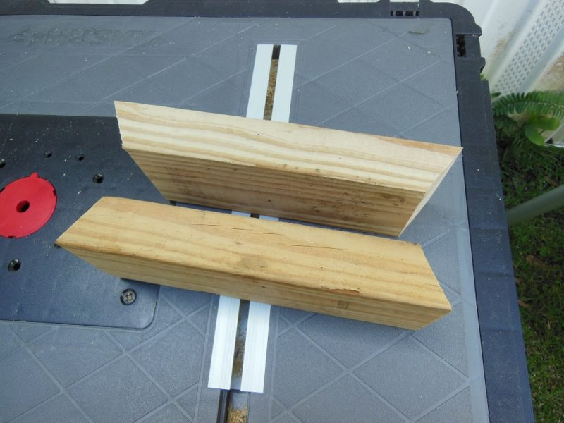 Intermediate bench supports.