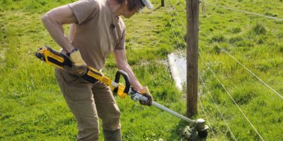 The 20v Max DeWalt Folding String Trimmer – The New String Theory