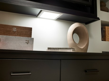 Excellent under-counter lights--with one caveat...