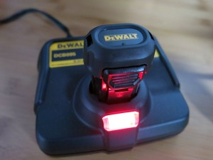 dewalt-gyroscopic-charger