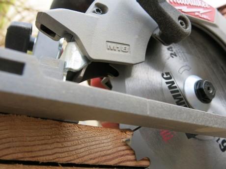 milwaukee-m18-fuel-circular-saw-closeup