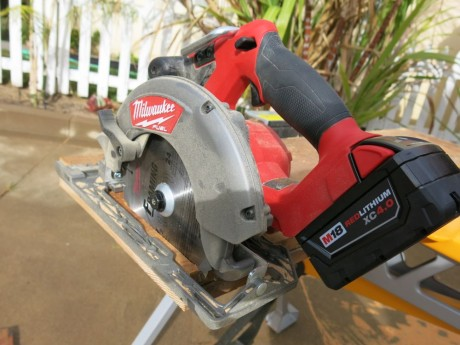 milwaukee-m18-fuel-circular-saw-rear