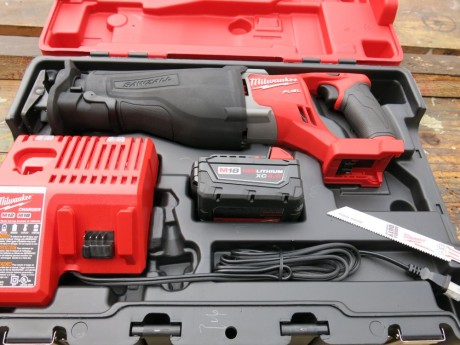 milwaukee-m18-fuel-sawzall-kit